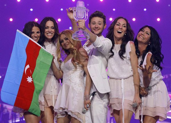 ell & nikki running scared azerbaijan. With 221 points, Azerbaijan